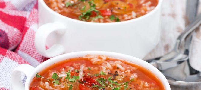 Klasyczna zupa pomidorowa z ryżem białym marki Britta to idealna propozycja na tradycyjny polski obiad