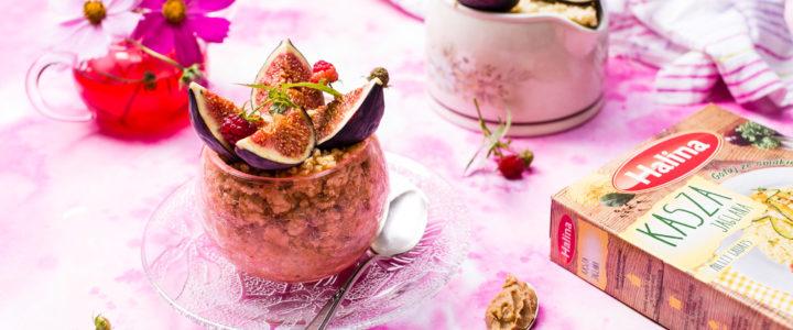 Kasza jaglana marki Halina na mleku kokosowym z masłem orzechowym i figami