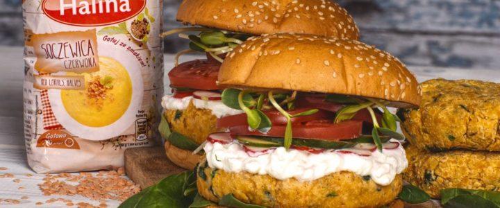Wiosenny burger z czerwonej soczewicy